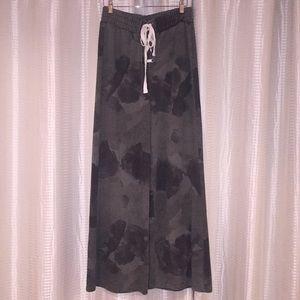 NWT Wide-leg Camo lace-up pants